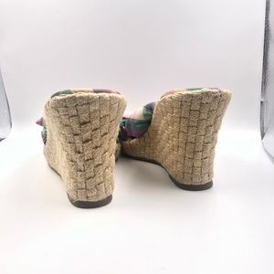 American Eagle Shoes - NWOT American Eagle Espadrill Platform Slip Wedge